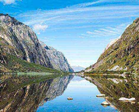 llanganuco-lakes-01